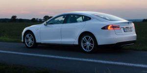 Hier können Sie Tesla mieten